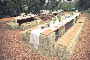 DIY-Hay-Bale-Picnic-Table