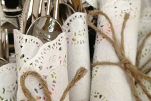 DIY-Doily-Wrapped-Silverware