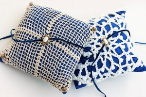 DIY-Lace-Covered-Pillow
