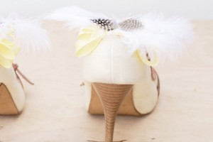 DIY-Ribbon-Feather-Shoe-Clip