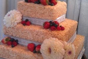 DIY-Rice-Krispies-Cake