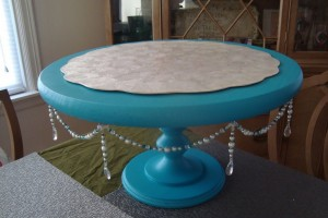 diy-bead-garland-cake-stand