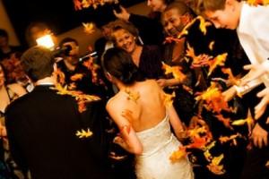 diy-fall-leaves-confetti