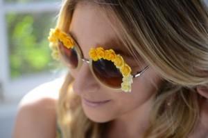 diy-flower-embellished-sunglasses