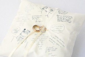 diy-guestbook-ring-pillow