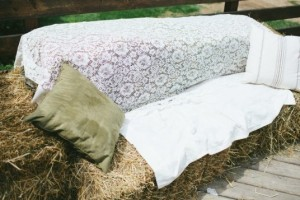 diy-hay-bale-couch