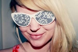 diy-lace-sunglasses