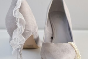 diy-ruffle-heel-shoes