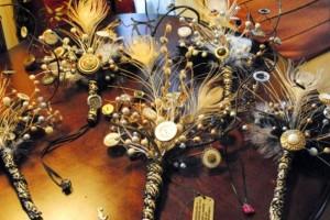 diy-button-feather-bouquet