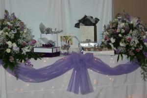 diy-fairy-lights-tablecloth