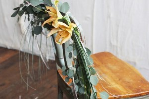 diy-leafy-spray-chair-decoration