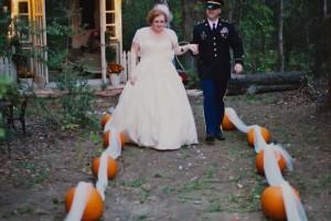 diy-pumpkin-tulle-aisle-border