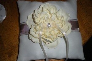 diy-silk-flower-ring-pillow