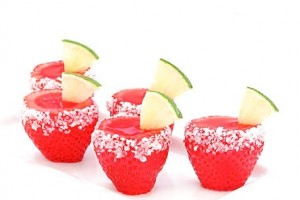 diy-strawberry-margarita-jell-o-shooters