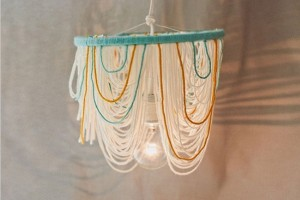 diy-yarn-chandelier