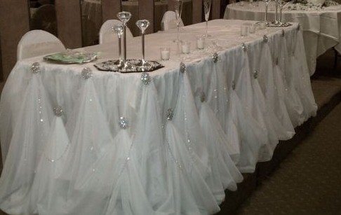 Diy Broach Gathered Table Skirt Quot I Do Quot Diys Com