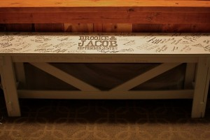 diy-guest-book-bench