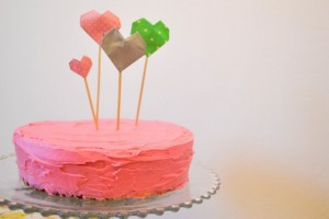 diy-origami-heart-cake-toppers