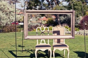 diy-picture-frame-booth