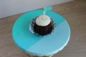 diy-ombre-cake-stand