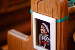 diy-picture-frame-aisle-marker