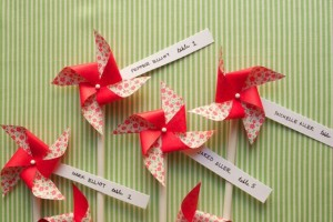 diy-pinwheel-escort-cards