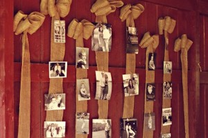 diy-ribbon-picture-display