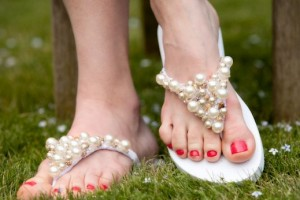 diy-beaded-triangle-flip-flops