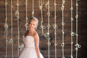 diy-knotted-rope-backdrop