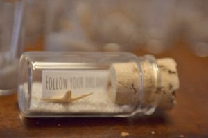 diy-message-in-a-bottle-favors