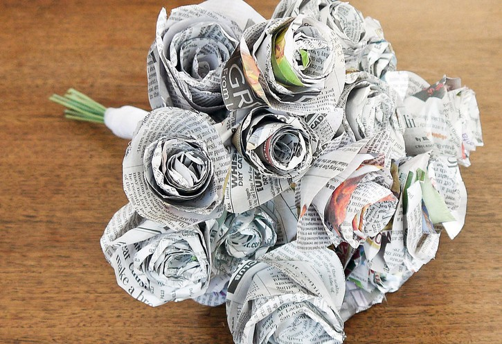 Diy newspaper flower bouquet i do diys diy newspaper flower bouquet i do diys mightylinksfo