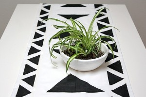 diy-painted-shapes-table-runner