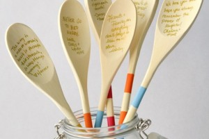 diy-wood-spoon-guestbook