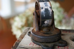 diy-caster-wheel-photo-display