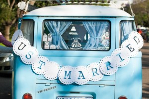 diy-doily-car-sign