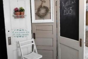 diy-door-photobooth-background