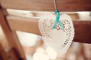 diy-heart-doily-chair-decoration