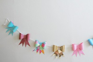 diy-paper-bow-bunting-banner