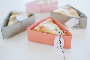 diy-pie-slice-favors