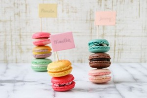 diy-stacked-macaron-place-cards