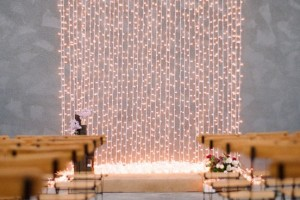diy-string-lights-backdrop