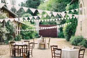 diy-tea-dyed-fabric-bunting