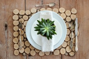 diy-wood-slice-placemat
