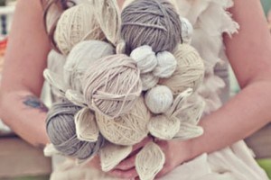 diy-yarn-ball-bouquet